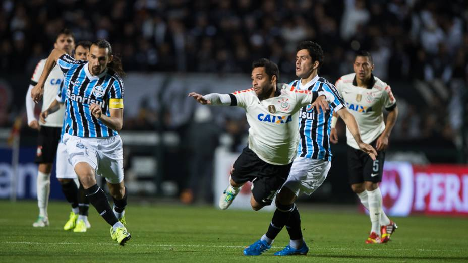 Corinthians empata contra Grêmio no estádio Pacaembu em São Paulo nesta quarta-feira(25)