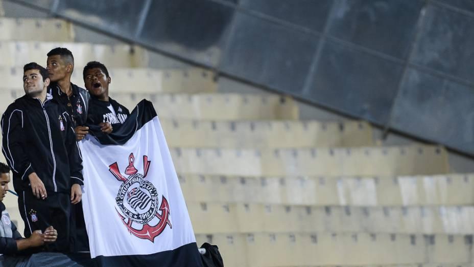 Torcida durante jogo entre Corinthians e Grêmio no estádio Pacaembu em São Paulo nesta quarta-feira(25)
