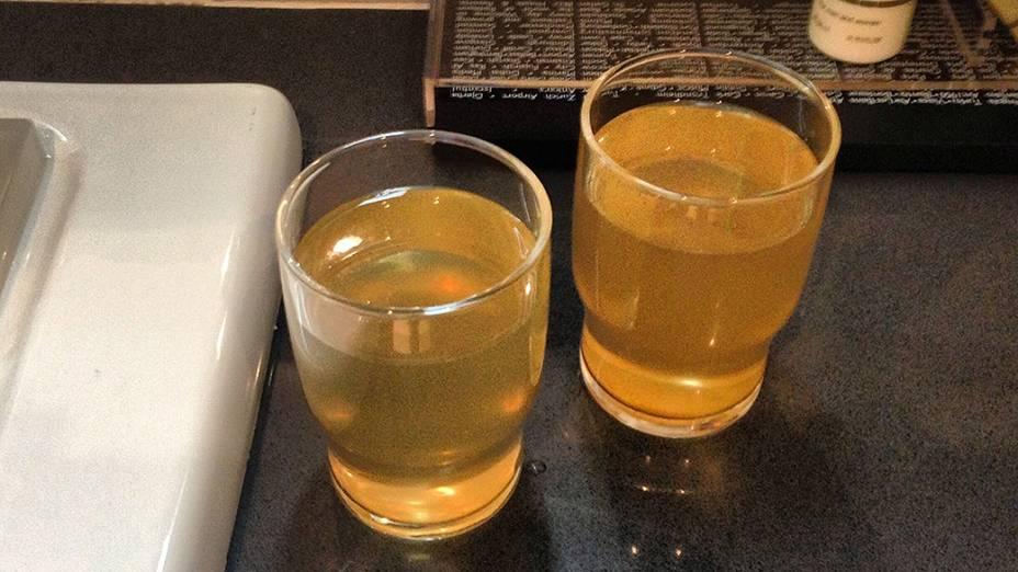 Água da torneira: amarela e com mau cheiro