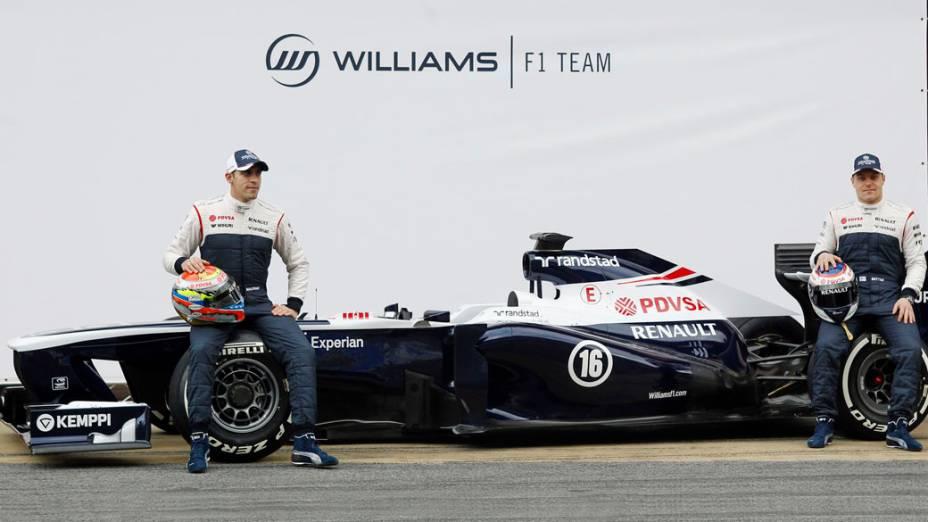 Pastor Maldonado e Valtteri Bottas posam com o FW35, novo carro da Williams