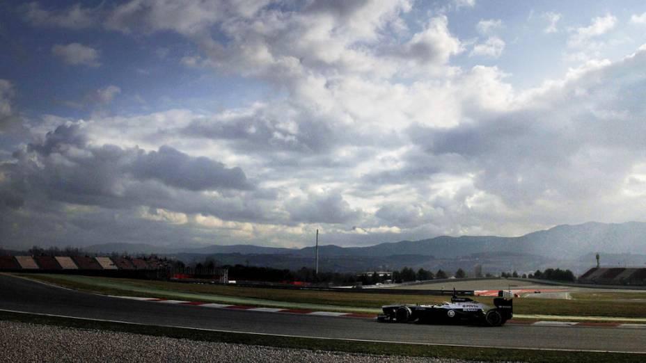 O novo FW35, da Williams, durante o primeiro dia de testes em Barcelona