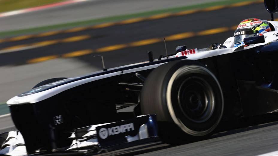 Pastor Maldonado, da Williams, durate o primeiro dia de testes em Barcelona
