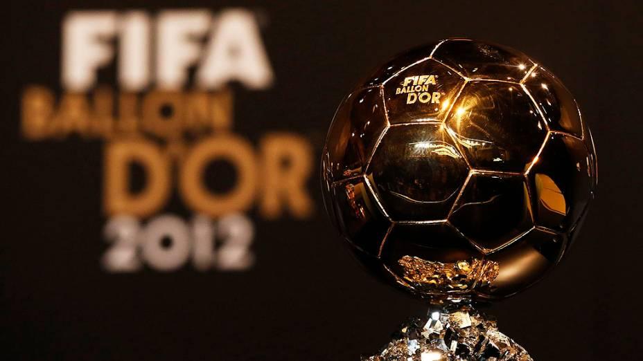 Troféu da Bola de Ouro da Fifa antes da cerimônia de premiação em Zurique, Suíça