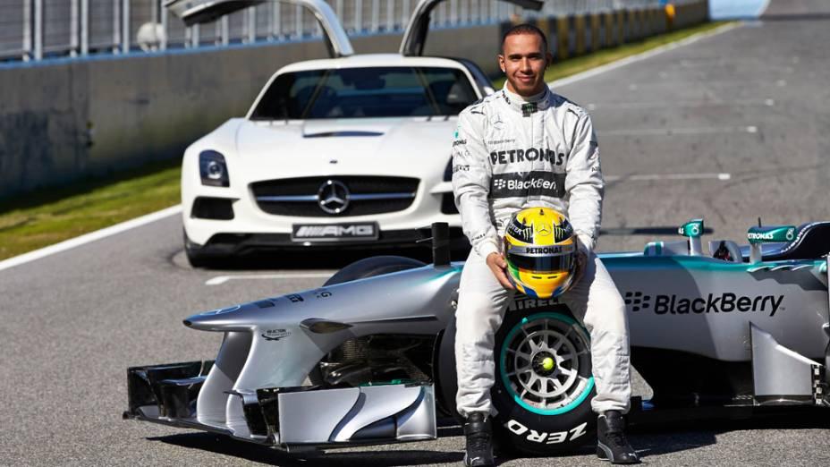 Lewis Hamilton durante apresentação do novo Mercedes F1 W04