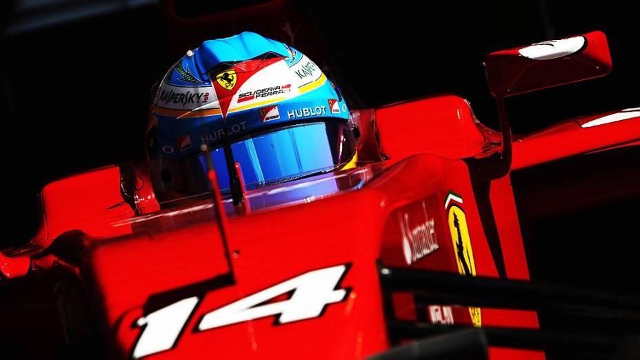 Fernando Alonso, da Ferrari, durante testes para a temporada 2014 da Fómula 1 no Barein