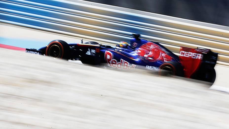 Jean-Eric Vergne, da Toro Rosso, durante testes para a temporada 2014 da Fómula 1 no Barein