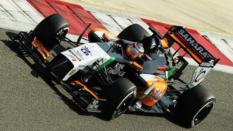 Nico Hulkenberg, da Force India, durante testes para a temporada 2014 da Fómula 1 no Barein
