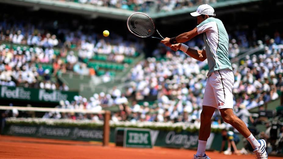 Novak Djokovic durante partida contra Rafael Nadal válida pela semi-final de Roland Garros