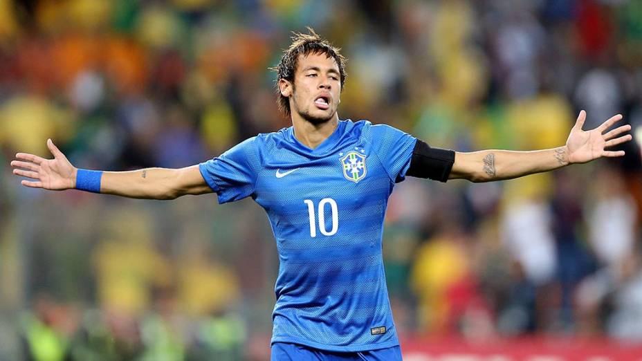 Neymar comemora seu segundo gol no amistoso contra a África do Sul, em Johannesburgo