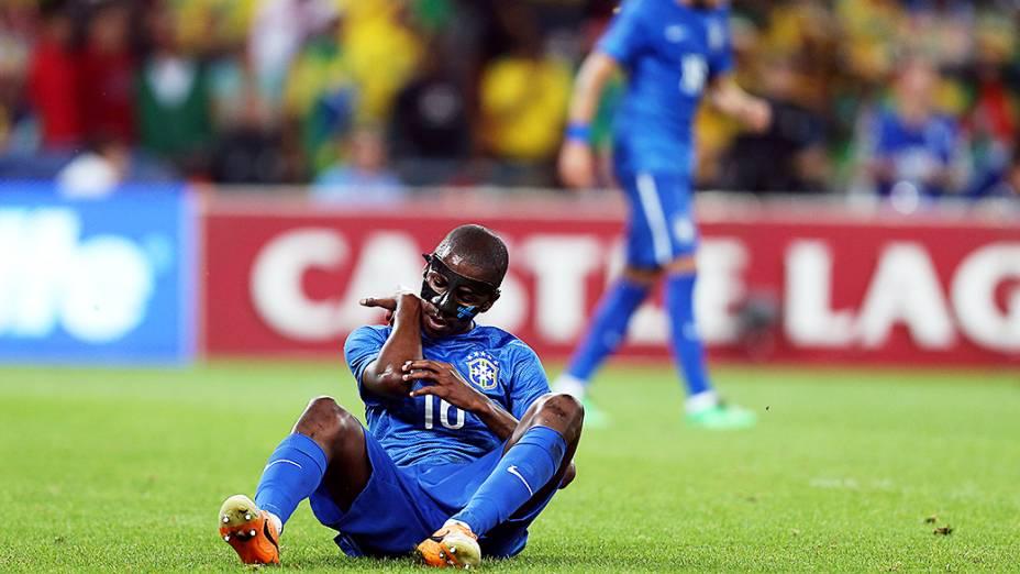 Ramires durante o amistoso entre Brasil e África do Sul, realizado no Estádio Soccer City, em Johannesburgo