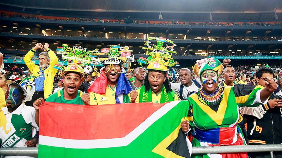 Torcida na goleada de 5 a 0 do Brasil sobre a África do Sul, em amistoso realizado no Estádio Soccer City, em Johannesburgo