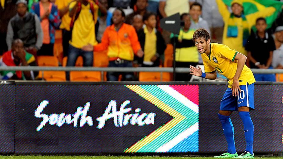 Neymar durante o amistoso entre Brasil e África do Sul, realizado no Estádio Soccer City, em Johannesburgo