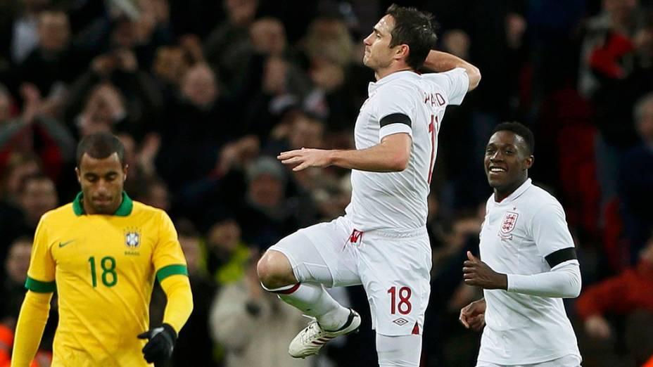 Frank Lampard após marcar o segundo gol da Inglaterra no amistoso contra o Brasil em Wembley