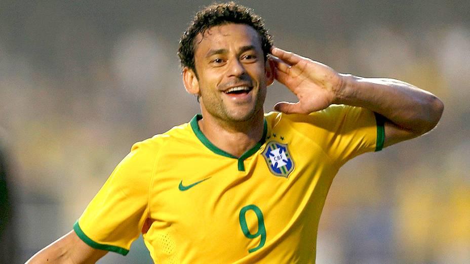 Fred comemora gol contra a Sérvia, no amistoso no estádio do Morumbi em São Paulo
