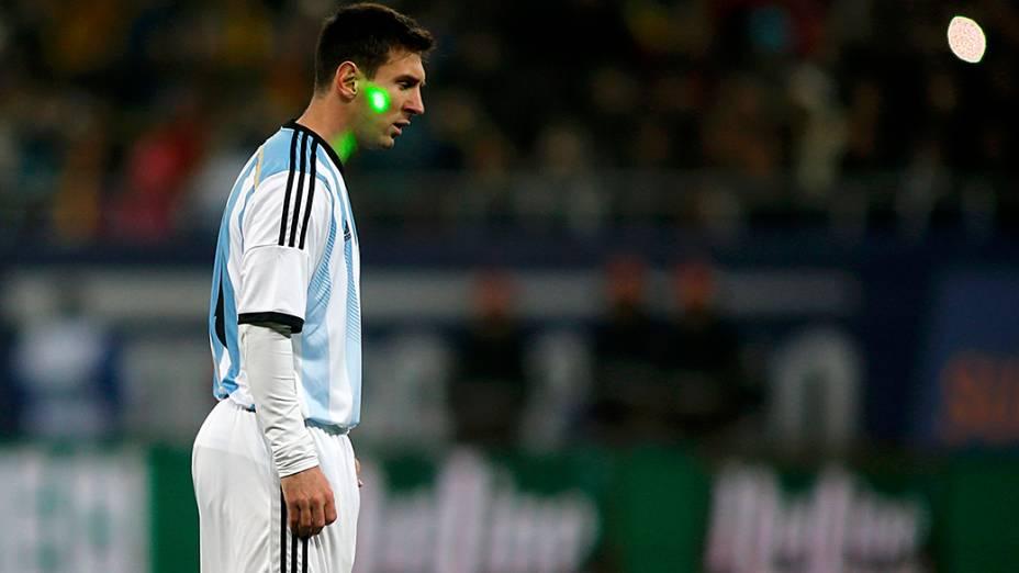 Argentina toda de branco contra a Romênia