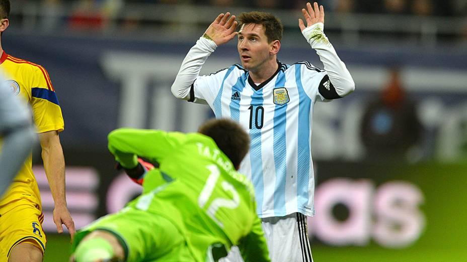 Lionel Messi no empate sem gols entre Argentina e Romênia em amistoso disputado em Bucareste