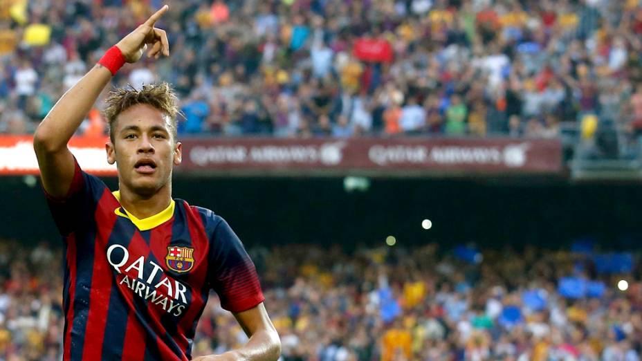 Neymar comemora gol após marcar contra o Real Madri, pelo campeonato espanhol no estádio Camp Nou, em Barcelona