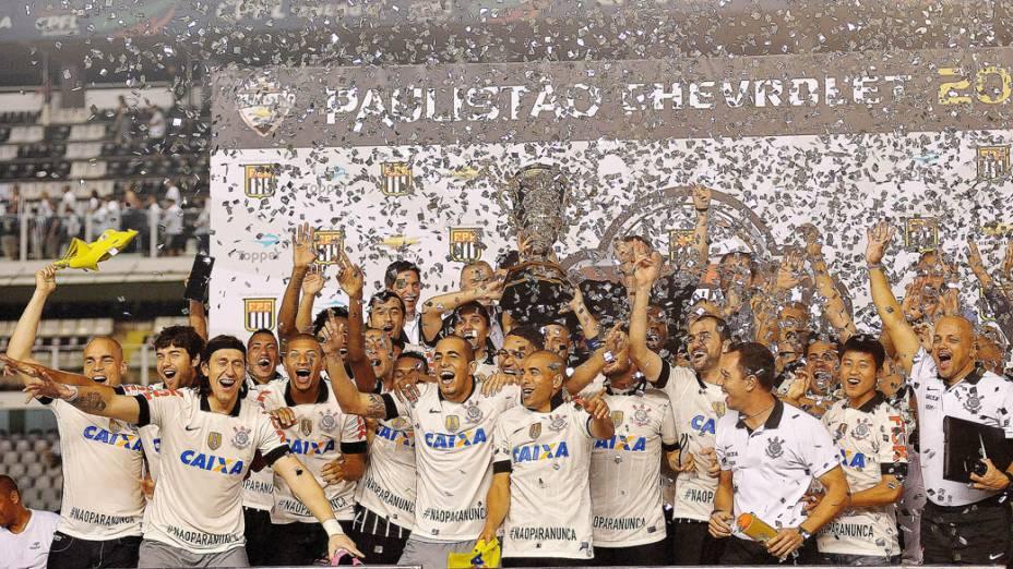 Jogadores do Corinthians comemoram a conquista do Campeonato Paulista