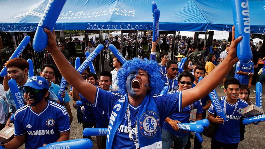 Torcedores do Chelsea durante amistoso desta quarta-feira na Tailândia