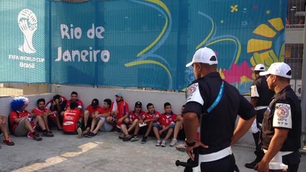 Policiais prendem cerca de 25 torcedores chilenos