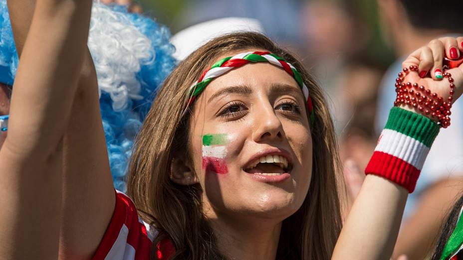 Torcedora do Irã no jogo contra a Argentina no Mineirão, em Belo Horizonte
