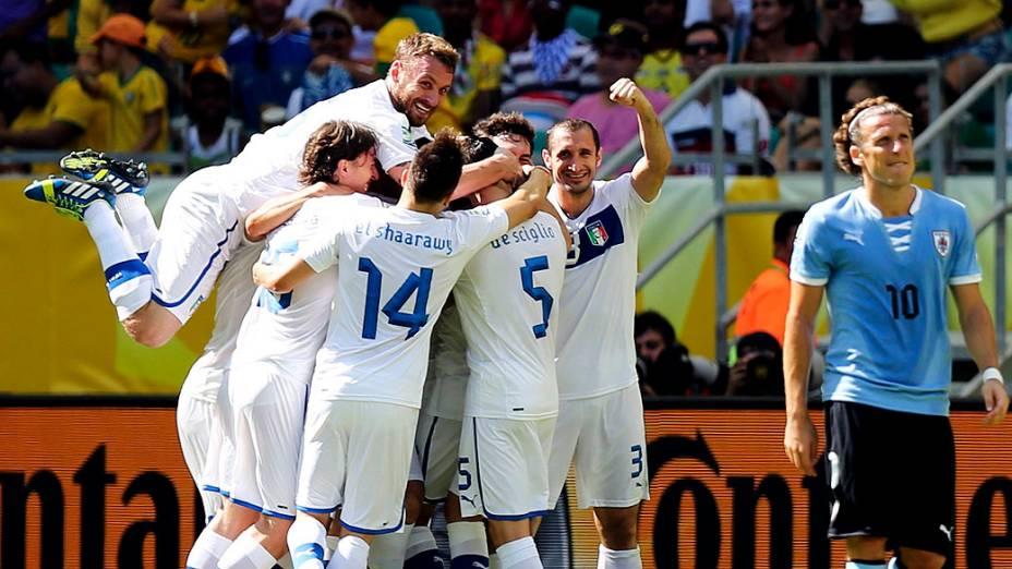 Itália comemoraapós marcar um gol,durante a Copa das Confederações disputa do terceiro lugarna Arena Fonte Nova, em Salvador