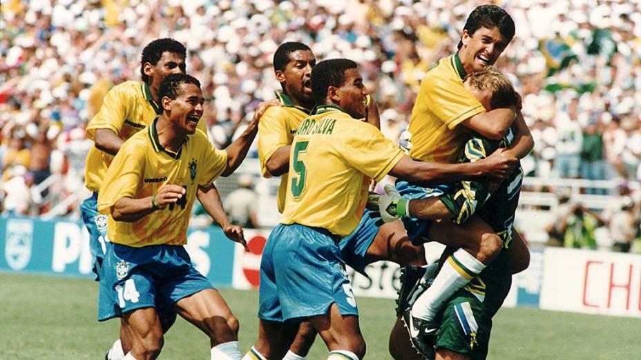Aldair, Cafu, Viola, Mauro Silva, Bebeto e Taffarel comemorando a conquista da Copa do Mundo 94, após vitória nos pênaltis sobre a Itália