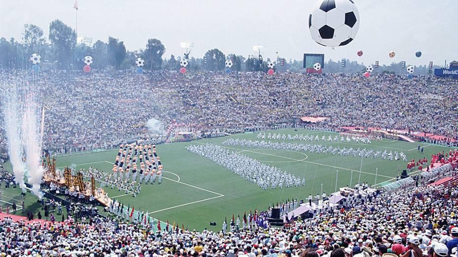 Festa de encerramento da Copa do Mundo 1994, no jogo entre Brasil e Itália, no Estádio Rose Bowl, em Los Angeles