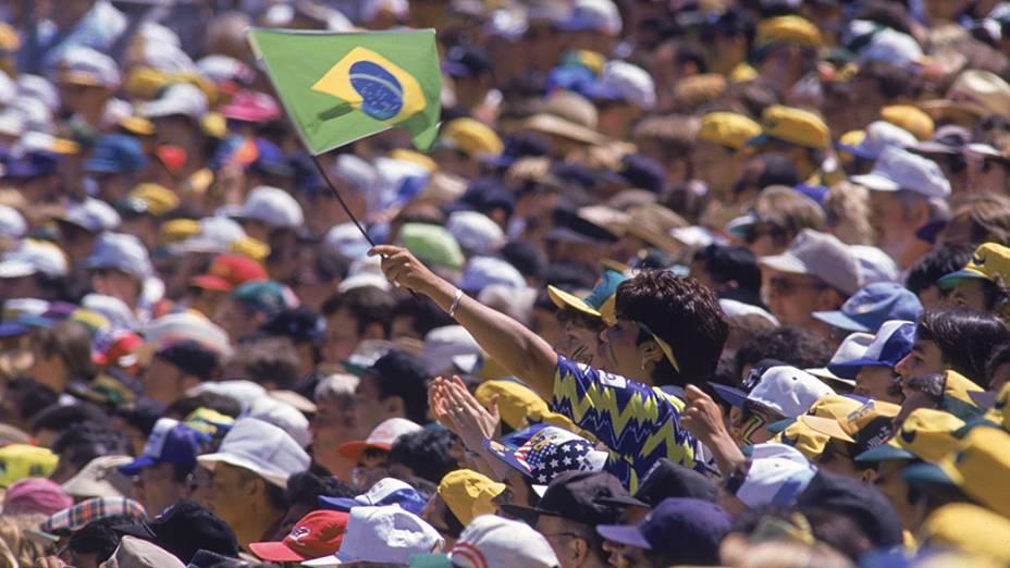 Torcida brasileira no jogo contra a Russia, no Estádio Stanford, em Palo Alto