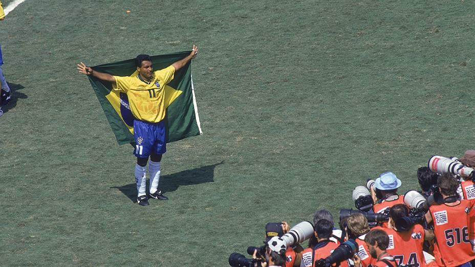 Romário comemora a conquista da Copa de 1994
