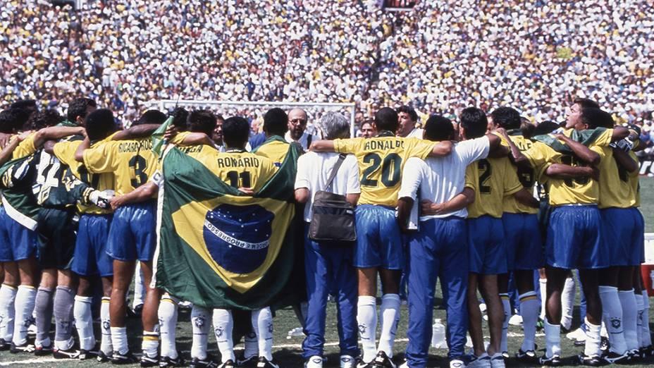 Jogadores brasileiros comemoram a conquista da Copa do Mundo de 1994