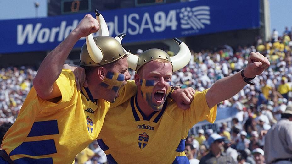 Torcedores da Suécia durante jogo contra o Brasil pela semifinal da Copa do Mundo de 1994
