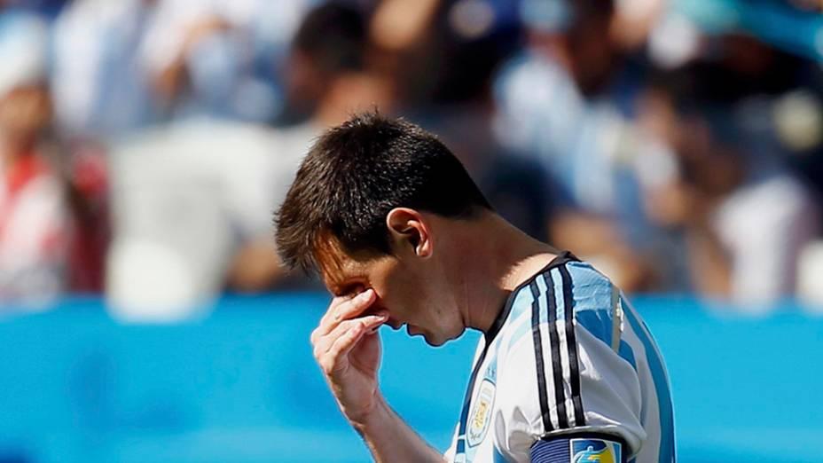 Messi lamenta gol perdido contra a Suíça no Itaquerão, em São Paulo