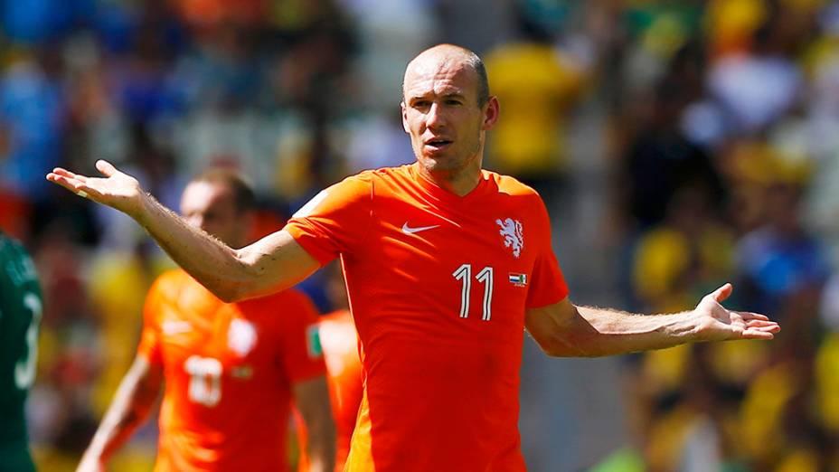 O holandês Arjen Robben duranteo jogo contra o México no Castelão, em Fortaleza