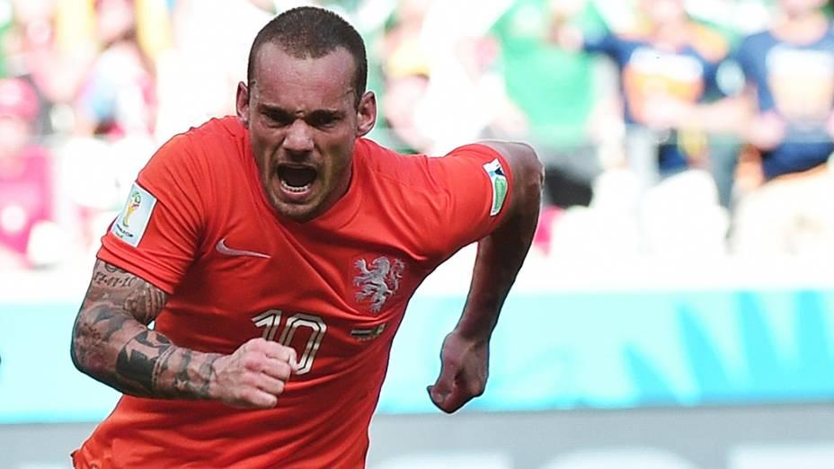 O holandês Sneijder comemora gol de empate com México no final do segundo tempo no Castelão, em Fortaleza