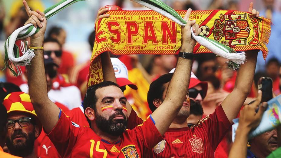 Torcida da Espanha antes da partida contra o Chile no Maracanã