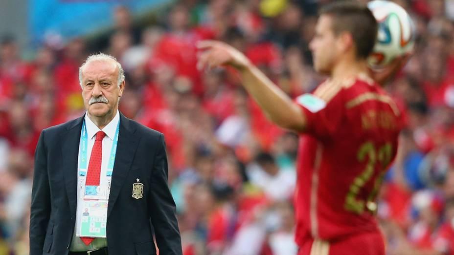 O técnico da Espanha, Vicente del Bosque, durante a partida contra o Chile no Maracanã, no Rio