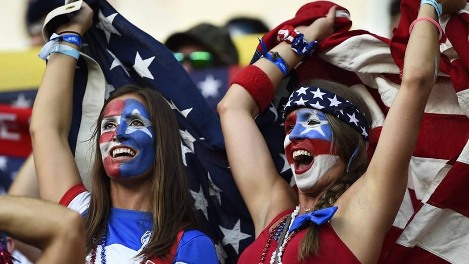 Torcedores chegam para a partida entre Estados Unidos e Portugal, na arena Amazônia, em Manaus