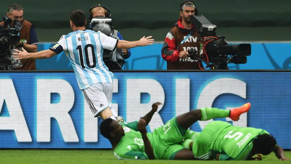 Messi comemora gol contra a Nigéria no Beira Rio, em Porto Alegre