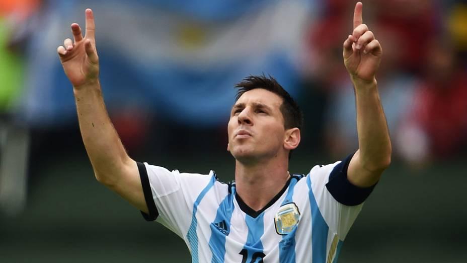 Messi comemora o seu segundo gol contra a Nigéria no Beira Rio, em Porto Alegre