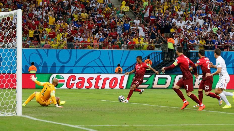 Portugal faz 1 x 0 nos Estados Unidos durante partida na arena Amazônia, em Manaus
