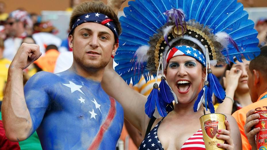 A torcida dos Estados Unidos durante partida contra Portugal, na arena Amazônia, em Manaus