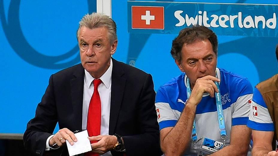 Técnico da Suíça Ottmar Hitzfeld, durante o jogo contra a França na Arena Fonte Nova, em Salvador