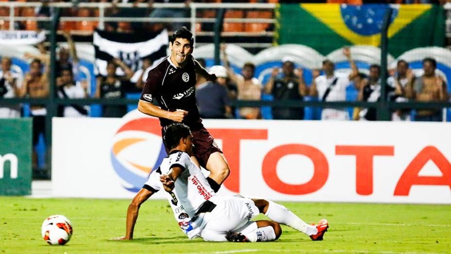 Ponte Preta e Lanús se enfrentam na primeira partida da final da Copa Sul-Americana 2013, no Pacaembu, em São Paulo