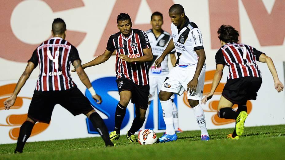Partida entre Ponte Preta e São Paulo válida pela semifinal da Copa Sul-Americana, no estádio Romildão, em Mogi Mirim