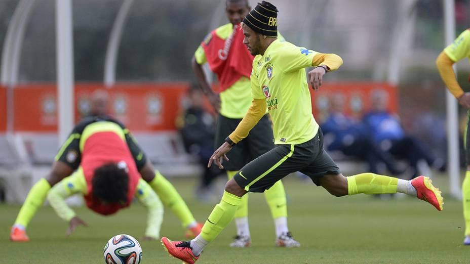 Neymar durante o treino do Brasil na Granja Comary, em Teresópolis