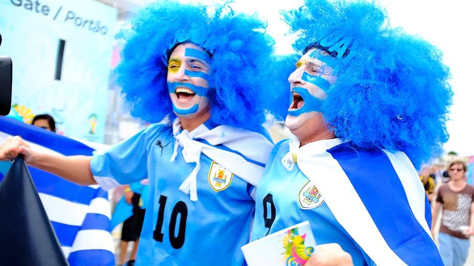 Torcida do Uruguai na chegada para a partida contra a Itália, na Arena das Dunas, em Natal