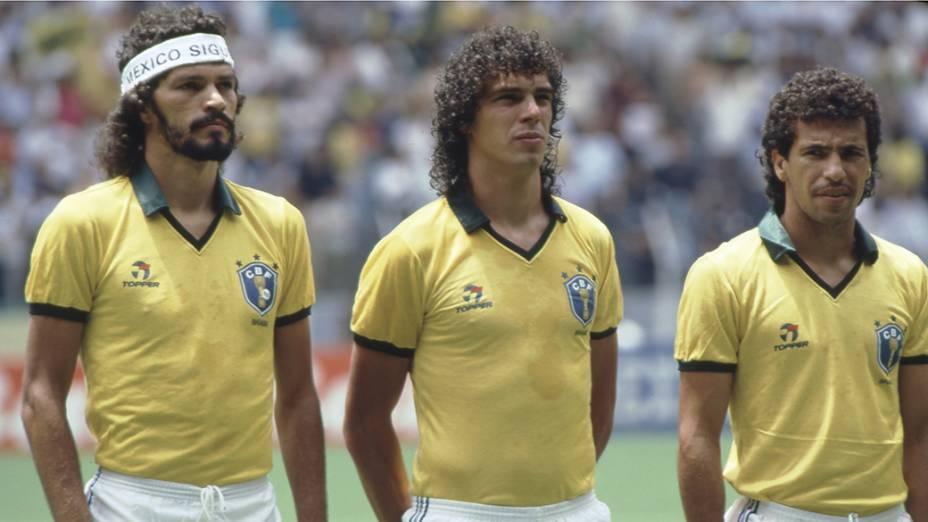 Sócrates, Casagrande e Careca antes do jogo entre Brasil e Espanha, na Copa do Mundo de 1986