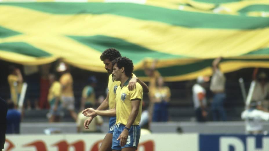 Careca e Sócrates no jogo entre Brasil e Irlanda do Norte, na Copa do Mundo de 1986