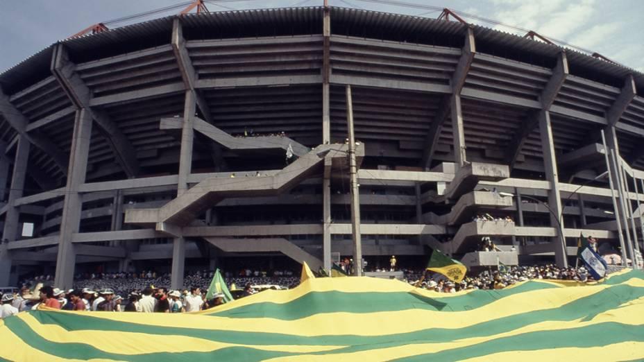 O Estádio Jalisco, em Guadalajara, antes do jogo entre Brasil e Polônia, na Copa do Mundo de 1986